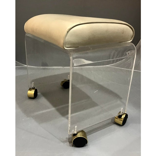 Mid-Century Modern 1970s Vintage Lucite Vanity Bench Stool For Sale - Image 3 of 7