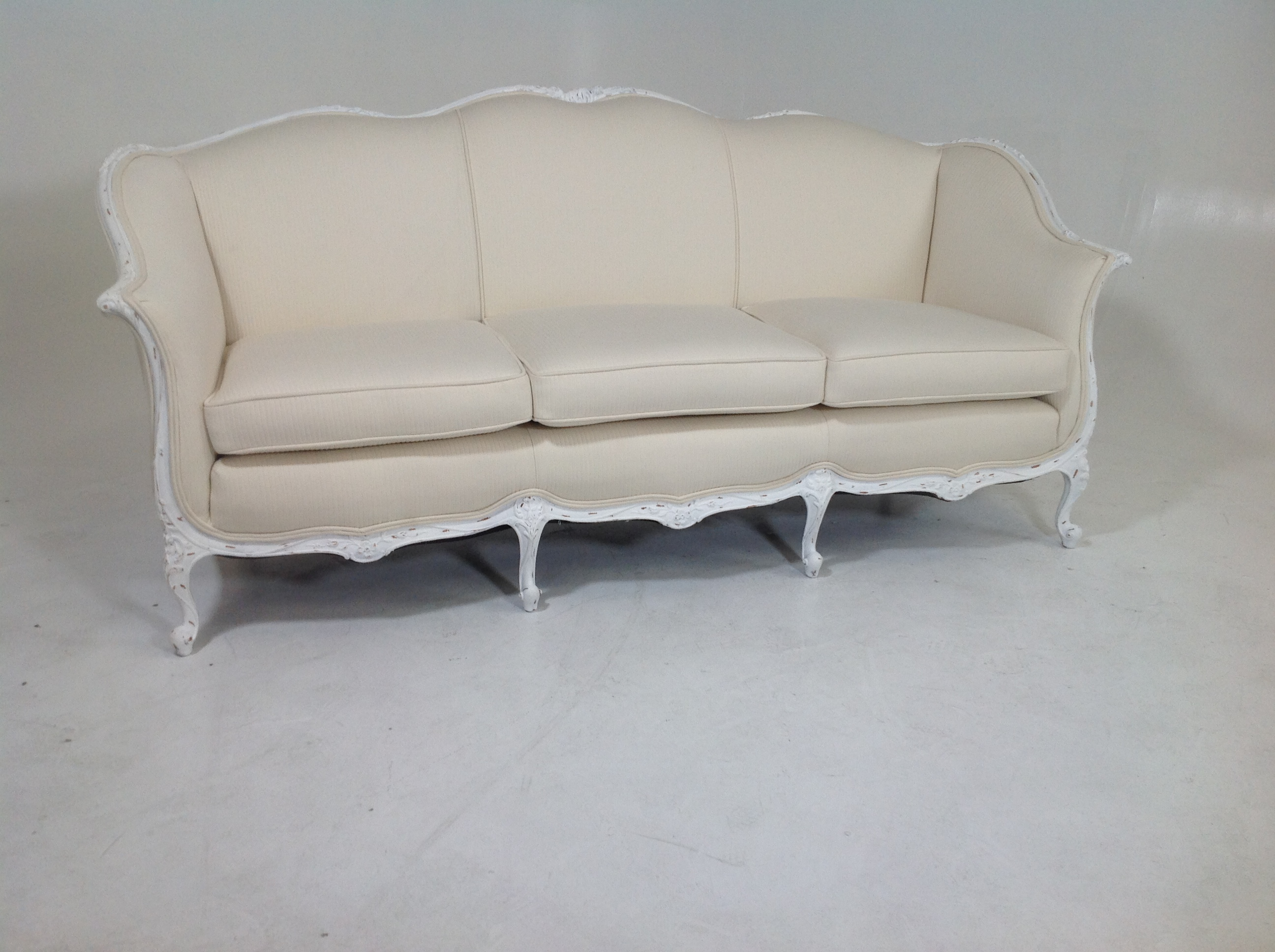 Antique Country French Shabby Chic Sofa   Image 3 Of 8