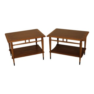 Lane Acclaim Mid Century Modern Pair Walnut Dovetailed Side Tables For Sale