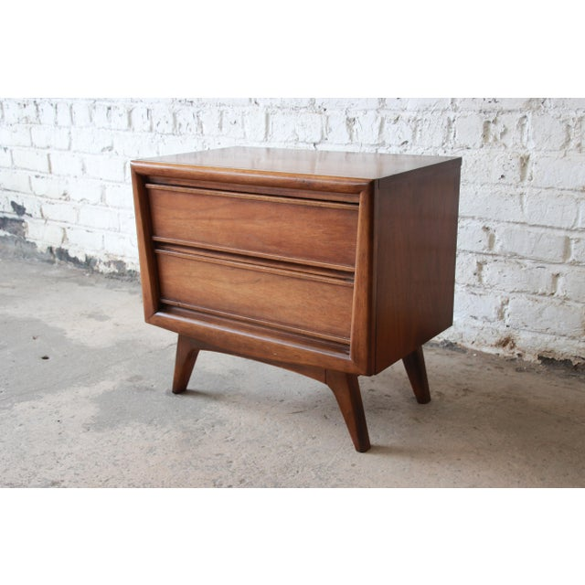 United Mid-Century Sculpted Front Walnut Nightstand - Image 3 of 6