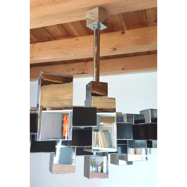 Large Mid-Century Modern Square Chrome 12 Lights Chandelier by Sciolari, 1960s For Sale - Image 9 of 10