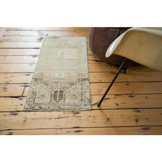 Vintage Ivory and Peach Oushak Rug For Sale - Image 4 of 6