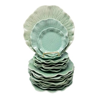 Vintage 70s Lotus Jade Green by Metlox Poppytrail Vernon Made in Usa Tableware / / 10 Dinner, 7 Salad Plates, 2 B&b Plates - Set of 19 For Sale