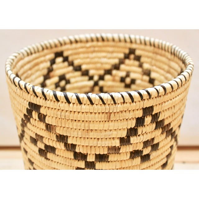 Mid 20th Century Handwoven Tohono O'Odham Native American Basket For Sale - Image 5 of 10