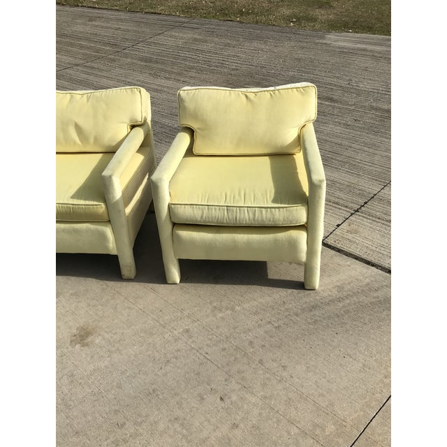 1980s Vintage Yellow Velvet Milo Baughman Style Parsons Open Arm Club Chairs- A Pair For Sale In Dallas - Image 6 of 12