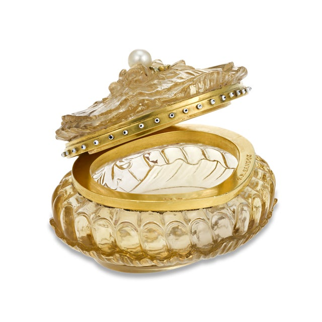 Art Nouveau Carved Citrine Pill Box For Sale - Image 3 of 6