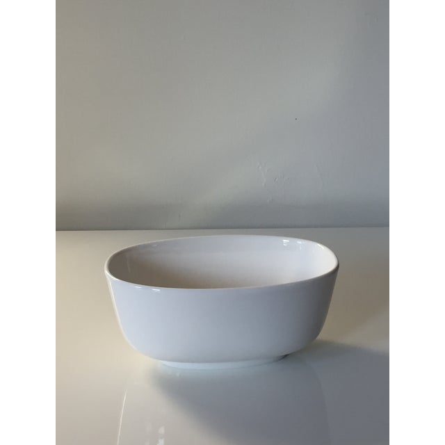 Villeroy & Boch Affinity White Premium Porcelain Oval Salad Bowl - A Pair For Sale - Image 5 of 6