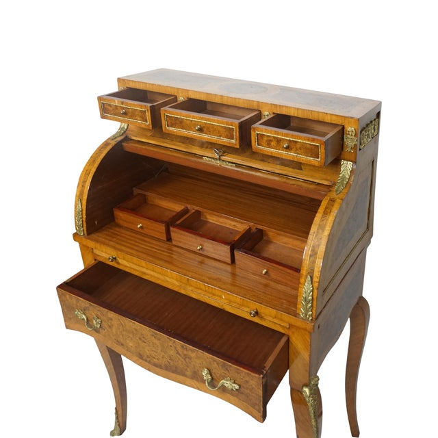 19th Century French Louis XV Marquetry Bureau De Dame For Sale - Image 4 of 10