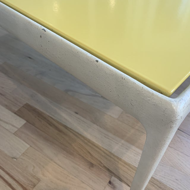 White 1960s Mid-Century Modern Knoll Richard Schultz Table For Sale - Image 8 of 10