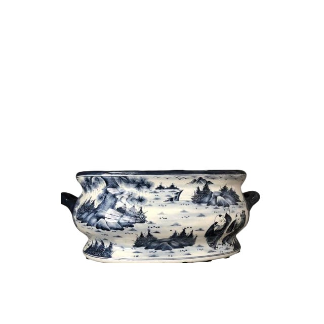 Chinese Chinoiserie Porcelain Foot Bath/Cachepot For Sale