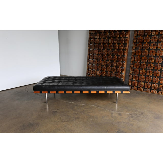 Mies Van Der Rohe Leather & Walnut Daybed for Knoll, 1983 For Sale In Los Angeles - Image 6 of 11