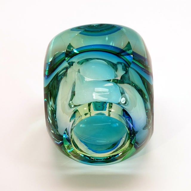 Mid-Century Modern Flavio Poli Seguso Murano Blue Faceted Orb Paper Weight For Sale In New York - Image 6 of 9
