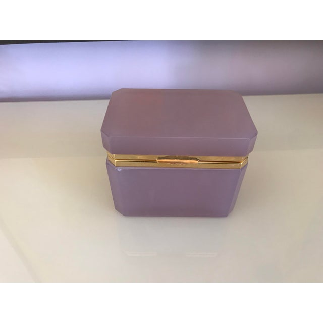 1960s 1960s Hollywood Regency Alexandrite Opaline Box For Sale - Image 5 of 5