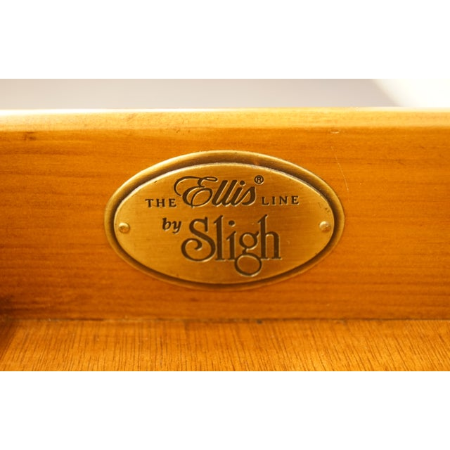 """Brown 20th Century Traditional Sligh Furniture the Ellis Line 32"""" Office Storage File Cabinet For Sale - Image 8 of 13"""