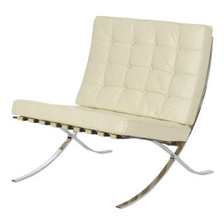 Barcelona White Leather Vintage Chair after Mies van der Rohe by Alivar For Sale