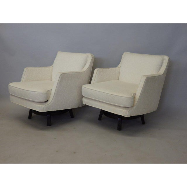 Pair of White Edward Wormley for Dunbar Swivel Lounge Chairs For Sale In Detroit - Image 6 of 7