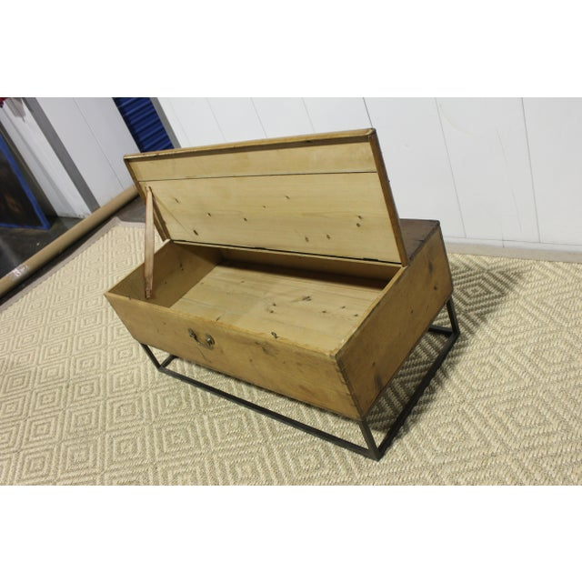 1970s French Country Trunk Coffee Table For Sale In Los Angeles - Image 6 of 8