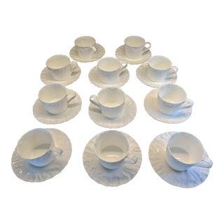 Contemporary Makoto Komatsu Crinkleware Porcelain Teacups & Saucers - 11 Person Set