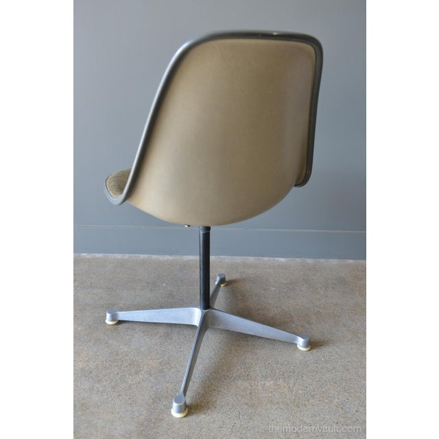 Mid-Century Modern 1964 Charles Eames for Herman Miller Psc Swivel Chair For Sale - Image 3 of 13