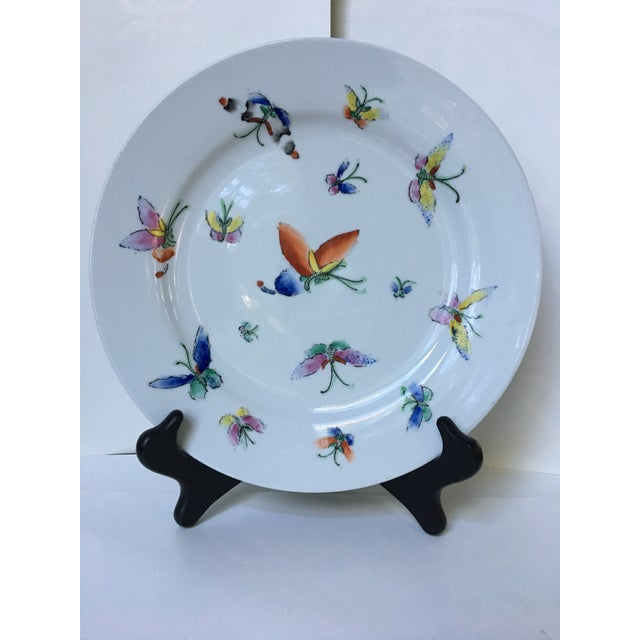 White 1980s Vintage Chinese Decorative Porcelain Butterfly Plate For Sale - Image 8 of 10