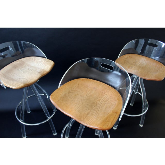 Mid Century Modern Hill Mfg Lucite Wood Saddle Seat Bar Stools- Set of 3 For Sale In Detroit - Image 6 of 7