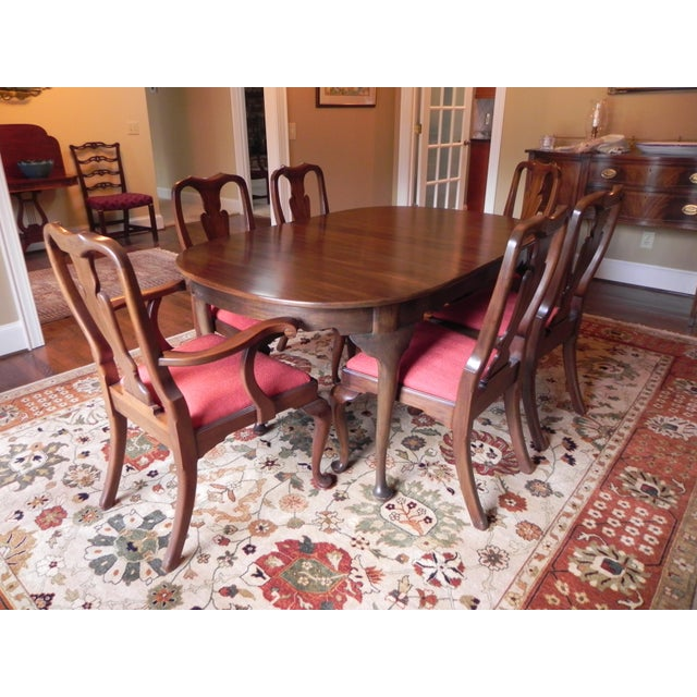 Henkel Harris Dining Room Furniture: Henkel Harris Queen Anne-Style Dining Set