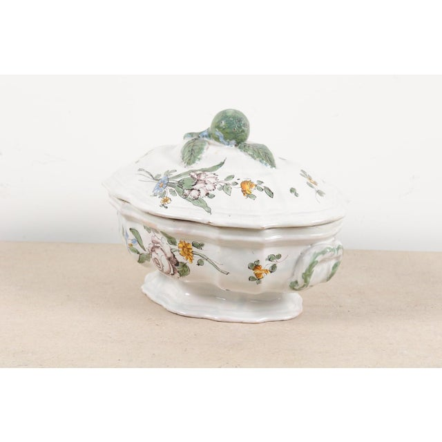 1750s Mid 18th Century French Faience Soup Tureen For Sale - Image 12 of 13
