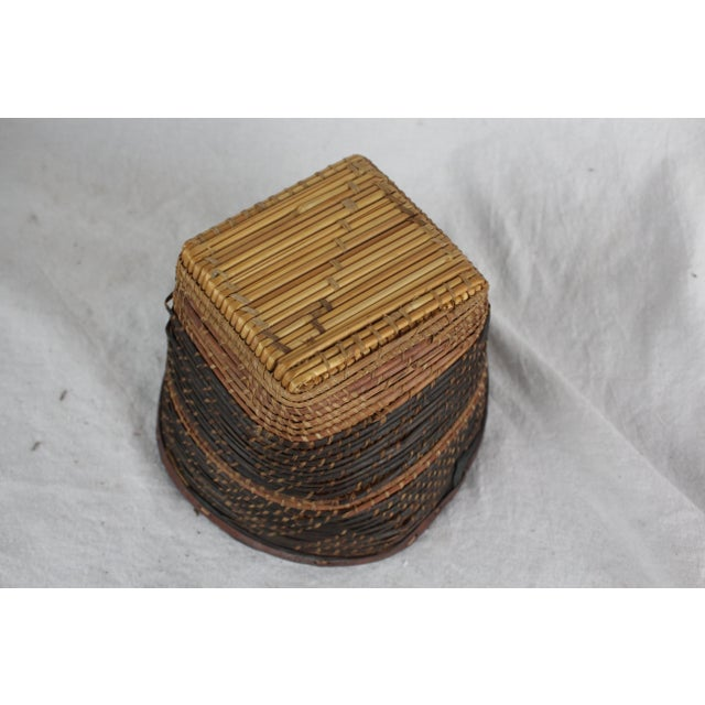 Small Ghanian Tribal Woven Basket For Sale In New York - Image 6 of 7