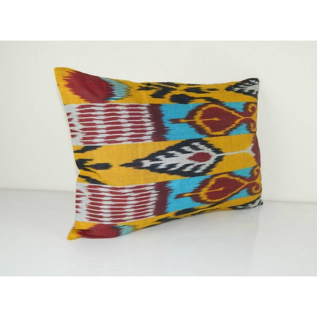 "This pillow measures 14"" x 19"" and has the same fabric on both front and back, as well as knife edges and an invisible..."