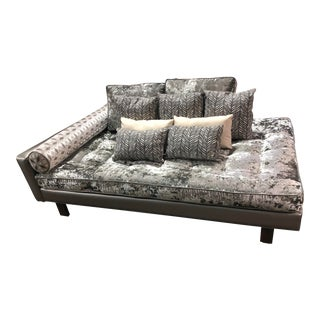 Modern Contemporary Crushed Velvet Daybed Sofa For Sale