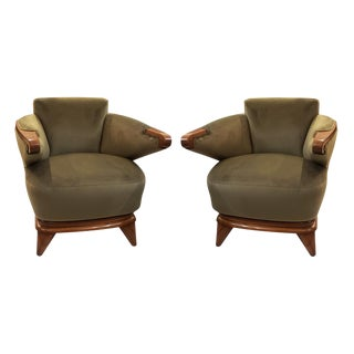 Pair of Italian Mid-Century Lounge Chairs With Cantilevered Arms For Sale