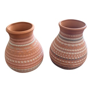 1990s Vintage Navajo Pottery Signed Vases- A Pair For Sale