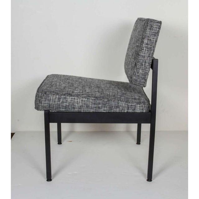 Industrial Pair of Mid-Century Modern Easy Chairs in the Style of Florence Knoll For Sale - Image 3 of 8