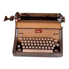1950's Mid-Century Beige Royal Typewriter For Sale