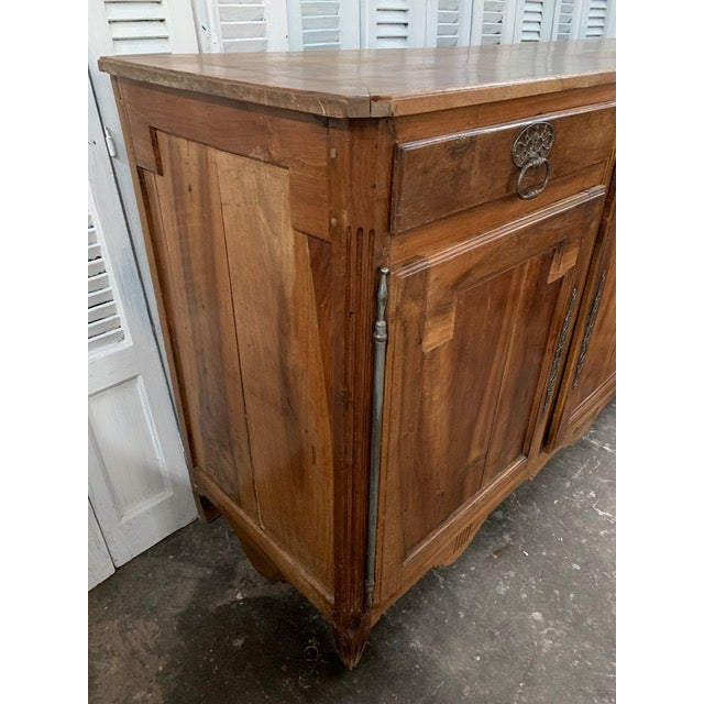 18th Century French Provincial Buffet For Sale In Atlanta - Image 6 of 9