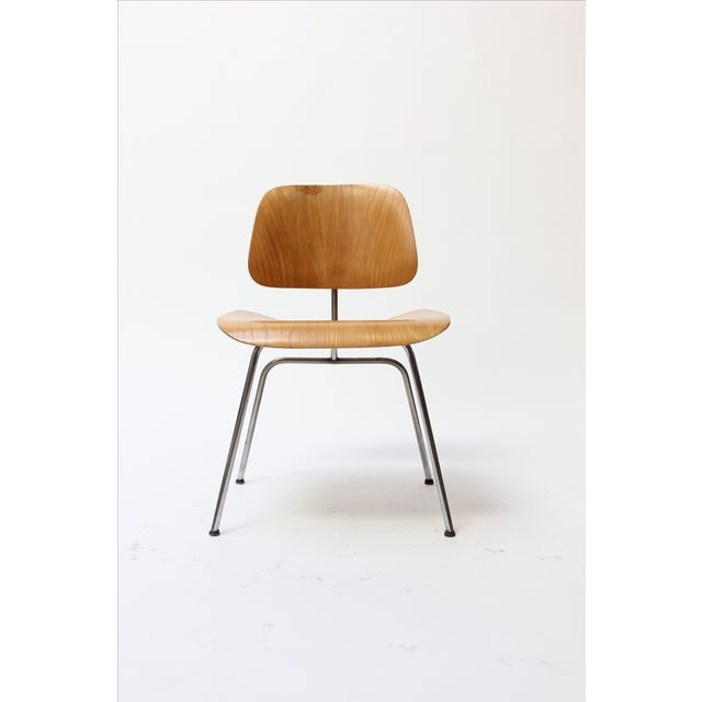 Early Evans production Herman Miller DCM chair designed by Charles and Ray Eames. This chair retains its original Evans...