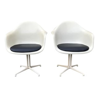 Charles & Ray Eames for Herman Miller Dal La Fonda Parchment Fibreglass Armchairs- A Pair For Sale