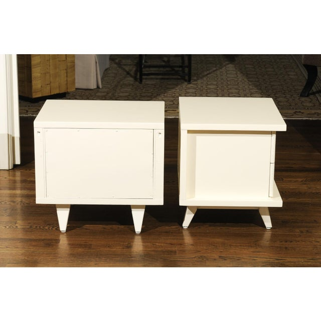 Mid-Century Modern 1938 Pair of Restored End Tables by Widdicomb in Cream Lacquer For Sale - Image 3 of 13