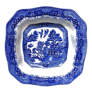 Blue Willow England Chinoiserie Serving Bowl for L.Bamberger & Co. For Sale