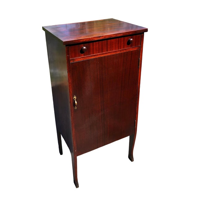 Nothings greater than obtaining an antique piece, that can still be utilized for its original purpose! This stunning...