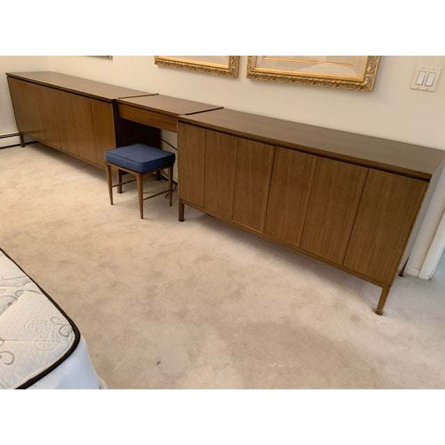 Brown Mid-Century Modern Paul McCobb for Calvin Vanity Furniture Dressers For Sale - Image 8 of 8