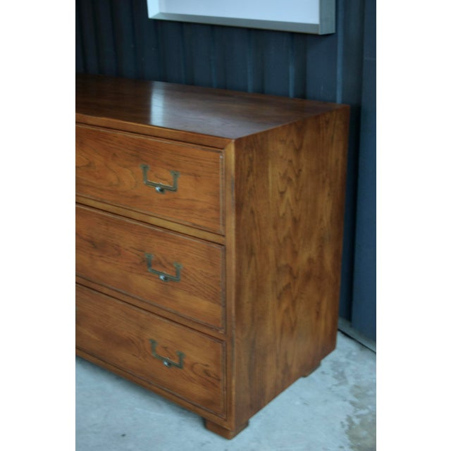 1970s Henredon Artefacts 6-Drawer Campaign-Style Dresser / Credenza / Buffet For Sale - Image 5 of 13