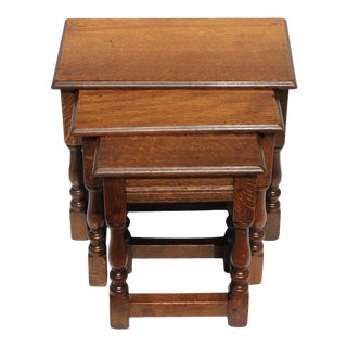 Set of Three English Nesting Tables, 19th Century For Sale