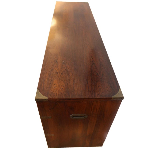 Mid-Century Modern 20th Century Campaign John Stuart Dresser Chest of Drawers in Rosewood & Brass For Sale - Image 3 of 7