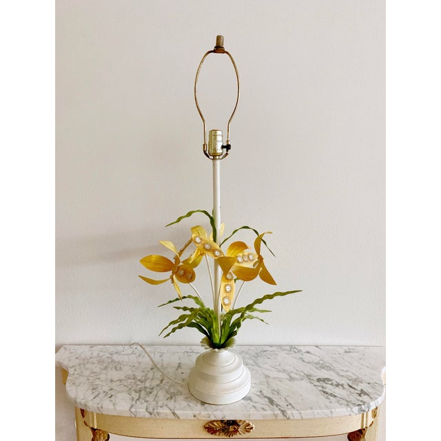 Green Regency Italian Tole Floral Table Lamp For Sale - Image 8 of 12
