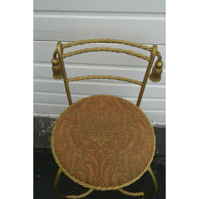 1970s Vintage Hollywood Regency Painted Gold Iron Vanity Stool For Sale In Miami - Image 6 of 11