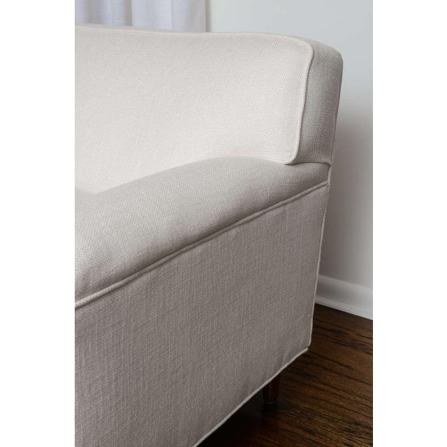 Mid-Century Modern Mid-Century Modern Curved Sofa in White Fabric by Edward Wormley for Dunbar For Sale - Image 3 of 11