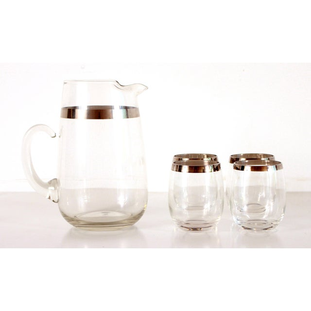 Beautiful vintage mid century modern Dorothy Thorpe silver rimmed cocktail / iced tea pitcher & set of 4 glasses! Great...