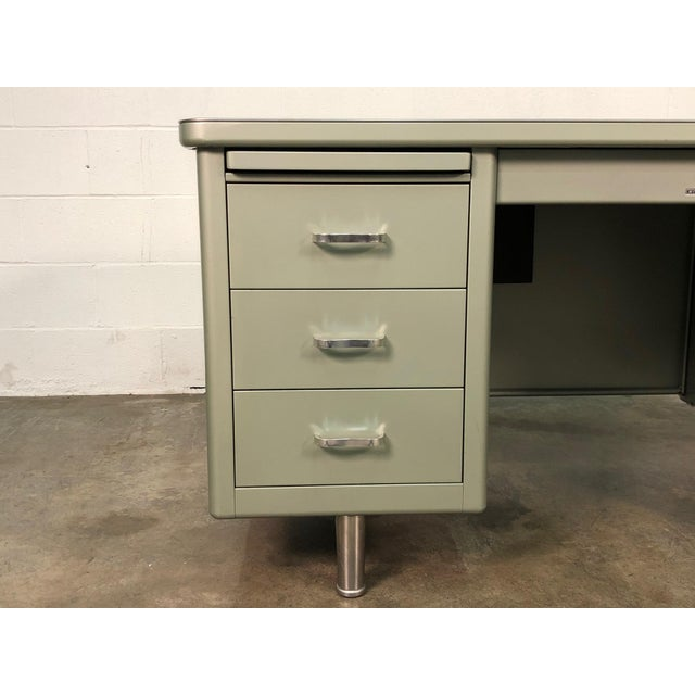 -MANUFACTURE: Steelcase -IN THE STYLE OF: Mid-Century Industrial -DATE OF MANUFACTURE: 1960's -MATERIALS TOP: Laminate...