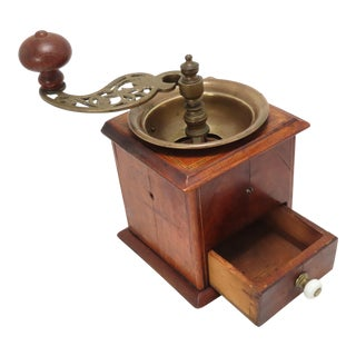 Fine Mid 19th Century Burl Mahogany Wood & Brass Coffee Mill For Sale